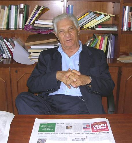 Lo scrittore Ermanno Rea in una foto di archivio © ANSA