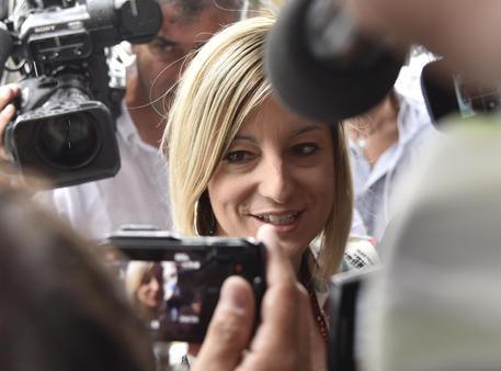 Roberta Lombardi attacca Raffaele Marra: