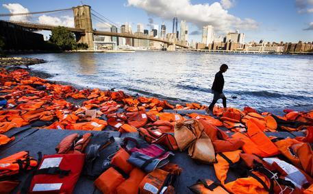 Salvagenti a New York © EPA