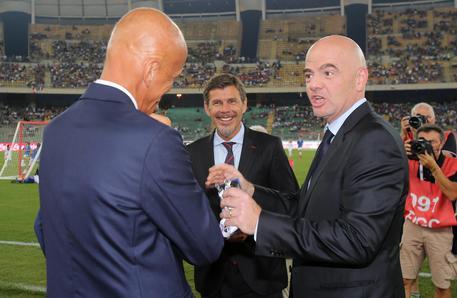 Calcio: debutta la moviola in campo, a Bari primo intervento della Var