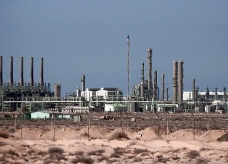 Libia, nuovi combattimenti in porti petroliferi nell'est