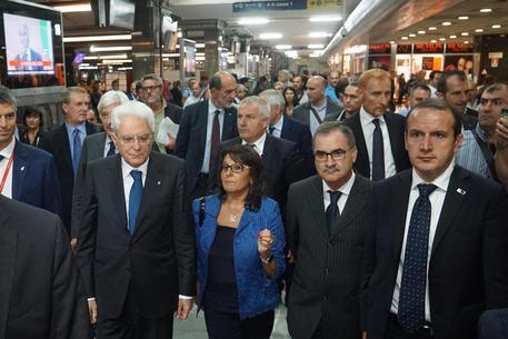 Il presidente della Repubblica Sergio Mattarella è a Napoli