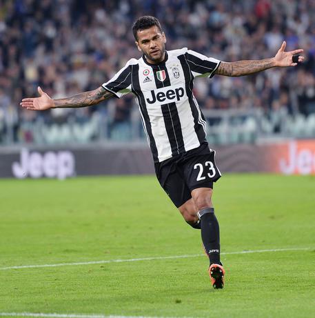 Juventus, Dani Alves Possiamo vincere la Champions League
