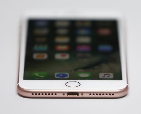 Apple,italiano hackera iPhone7 in 24 ore
