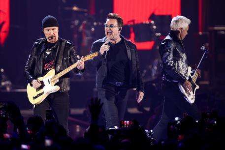 U2, sold out il 15 luglio a Roma, bis il 16. Ticketone cancella 200 ordini 'sospetti' e 600 biglietti a rischio secondary market