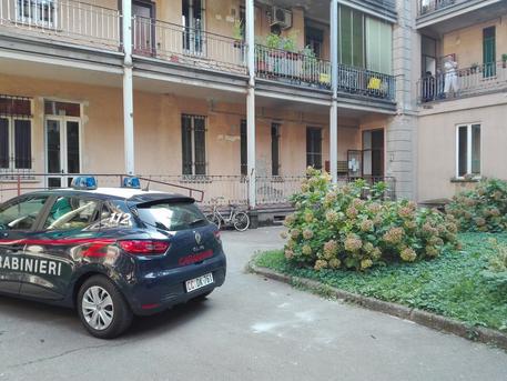 Anziana morta in casa a Milano, fermata la figlia della donna