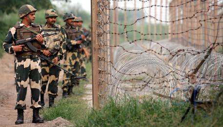 Attacco in Kashmir, uccisi 17 soldati indiani