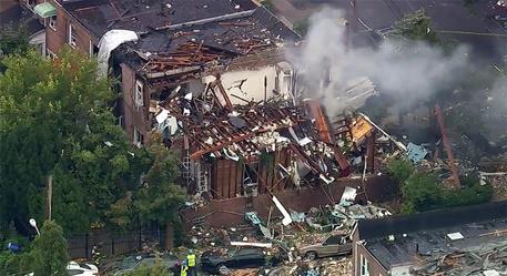New York, esplosione nel Bronx sventra palazzo: un morto, 7 feriti FOTO