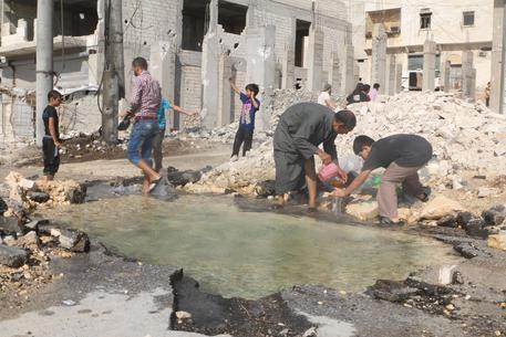 Siria, sospesi bombardamenti russi su Aleppo