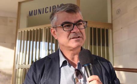 Italia: paese in rosso, sindaco porta alunni con sua auto