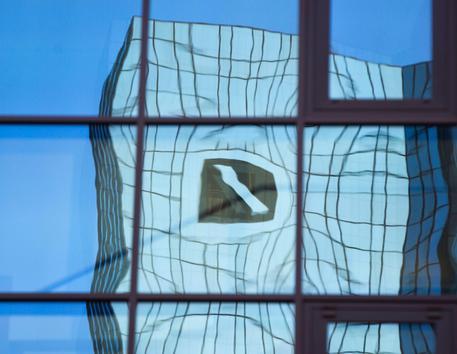 Borsa, Milano chiude in ribasso: scivola A2A, miste le banche