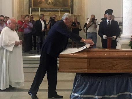 Cagliari, ultimo saluto a Nené