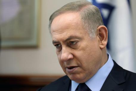 Israele, investigatori della polizia nella residenza di Netanyahu