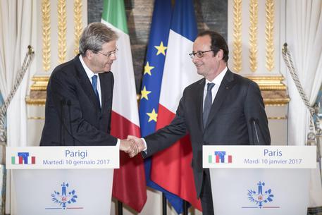 Gentiloni a Parigi: Italia e Francia uniti per il rilancio della Ue