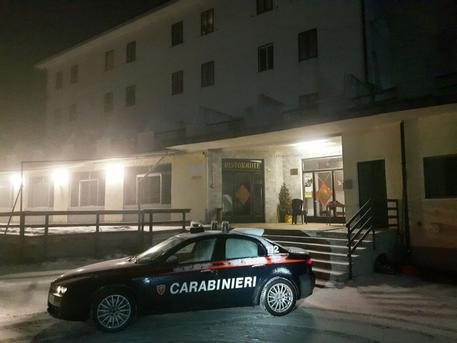 Sparatoria nel Torinese, grave un uomo colpito da un proiettile in testa