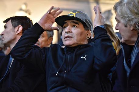 Maradona, una notte magica al San Carlo di Napoli con Siani