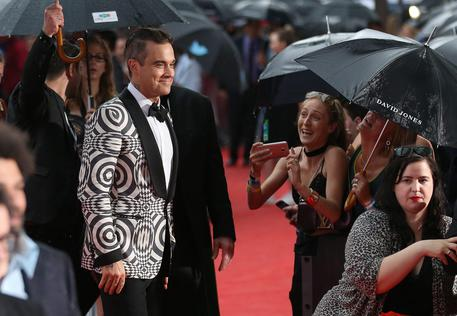 Robbie Williams a Sanremo 2017, anche Clean Bandit tra gli ospiti internazionali