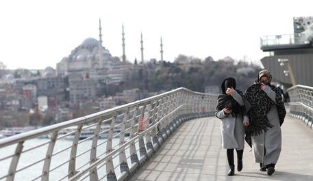 Istanbul ancora sotto attacco: sparatoria in un ristorante