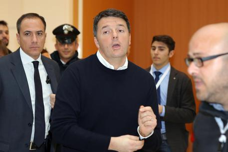 Renzi riparte da un blog: