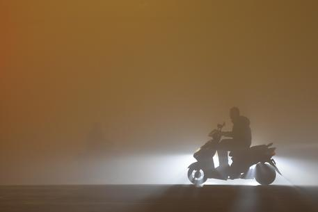 Scuole chiuse e voli cancellati, Cina nella morsa dello smog