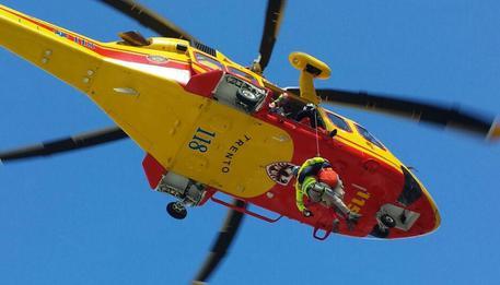 Base Jumper vola nel vuoto Nuova tragedia sul Brento