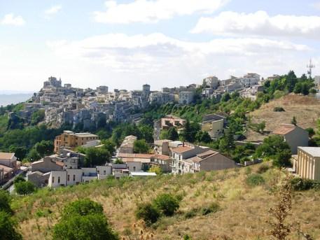 Airbnb scommette sulle aree rurali: borghi sono nuova era del turismo