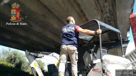 Rubavano nelle aziende costringendole al fallimento, arresti a Ragusa$