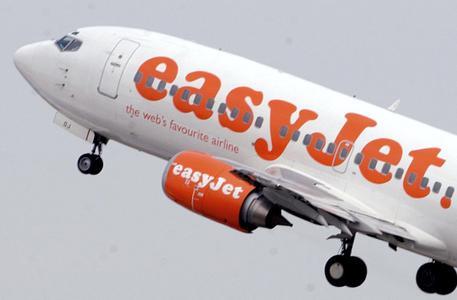 Malpensa, fumo in cabina sul volo EasyJet, costretto all'atterraggio