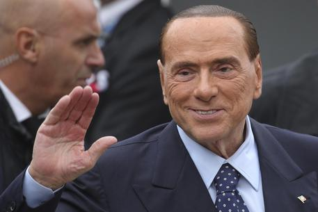 Bankitalia, Renzi insiste, ma il