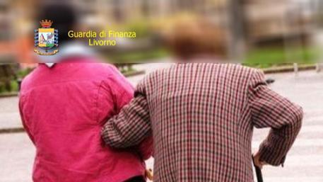 Gdf scopre 75 colf evasori totali toscana for Collaboratrici domestiche contratto