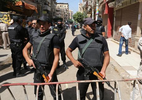Attacco a bus di cristiani copti: