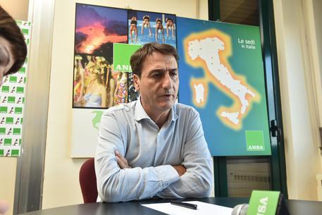 Sicilia, M5s: Micari non rispetta regolamento sua università