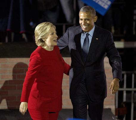 Usa, due pacchi bomba inviati a Obama e Hillary Clinton
