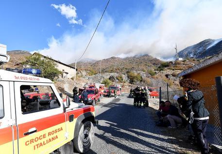 Incendi:emergenza Val Susa,vigili fuoco bloccati nella notte © ANSA