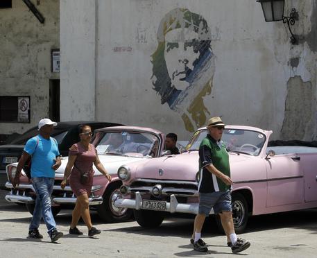 Un murales con Che Guevara a Cuba © ANSA