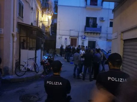 Palermo, sparatoria all'Arenella Morto un uomo, ferito il fratello