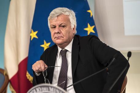Gian Luca Galletti, incidente stradale per il ministro dell'Ambiente