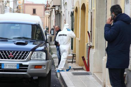 Taranto, carabiniere uccide sorella, cognato e padre e poi si spara