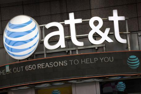 At&t-Time Warner, Trump frena le nozze: