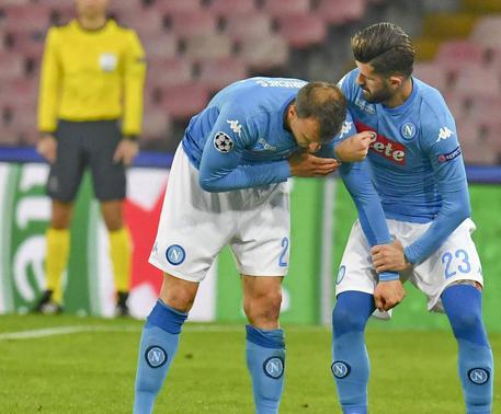 Napoli, guai per Ancelotti: infortunio al ginocchio per Chiriches