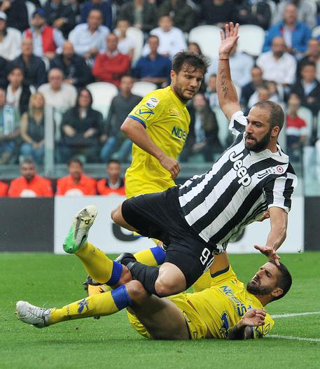 Napoli-Juventus, Higuain non ci sarà