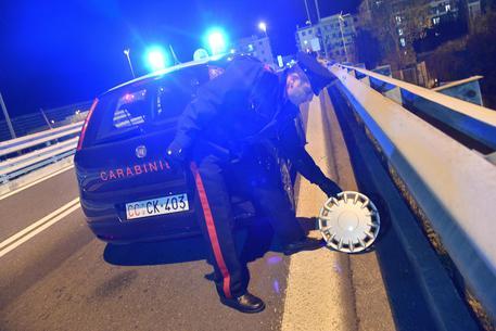 Vicenza, insegue in auto la moglie con l'amante: poi spara alla donna