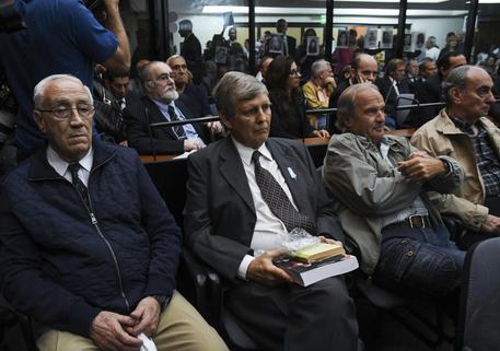 Desaparecidos, 48 condanne in Argentina