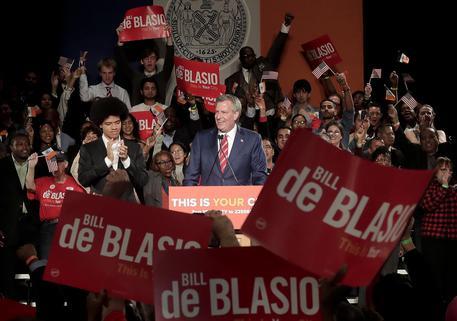 Usa, sindaco De Blasio vince le elezioni e sfida subito Trump