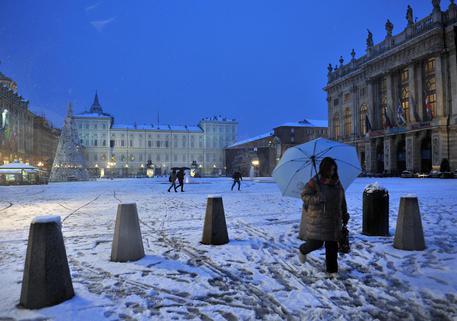 L'inverno è arrivato: primi fiocchi di neve sul Vesuvio