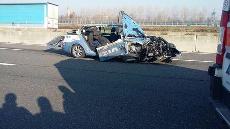 Scontro fra camion e pattuglia: muore un agente della Stradale