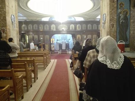 Egitto, attacco a una chiesa vicino al Cairo: almeno cinque vittime