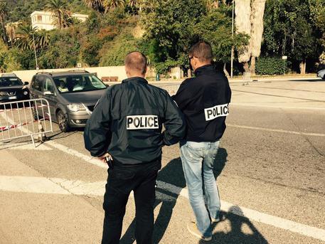 Nizza, condannato l'agricoltore che aiutava i migranti a entrare in Francia