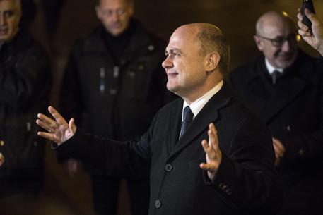Il candidato alle presidenziali francesi Fillon è formalmente indagato