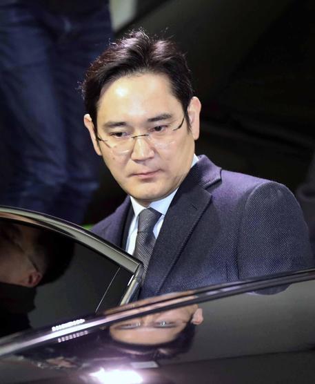 Seul, arrestato Lee Jae-yong, patron del colosso Samsung: corruzione